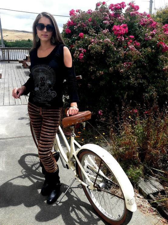 Jayli Stonewash Razor Cut Leggings