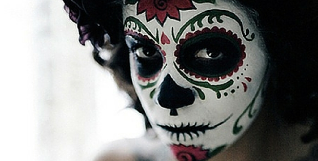 Amazing Dia De Los Muertos Makeup And Video Tutorial Go Hippie Chic - Day-of-the-dead-makeup-tutorial-video