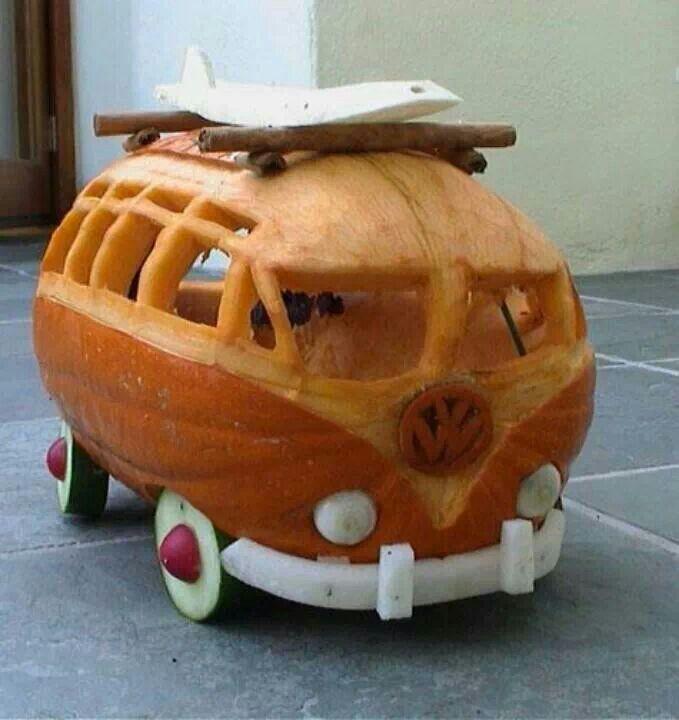 VW Surfer Bus Pumpkin