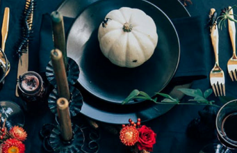 These Halloween Table Setting Ideas Will Complete Your Spooky Dinner Party